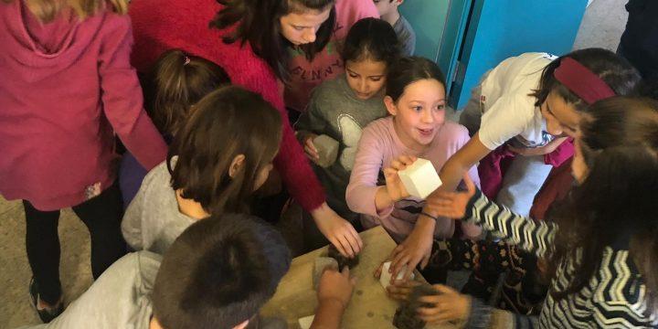 Tallers infantils a l'Escola Lluçanès